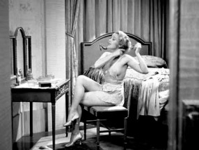 gold-diggers-1933_joan-blondell-side-boob